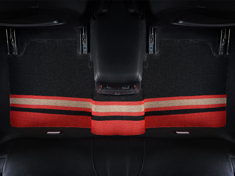 Car mat red and white stripes